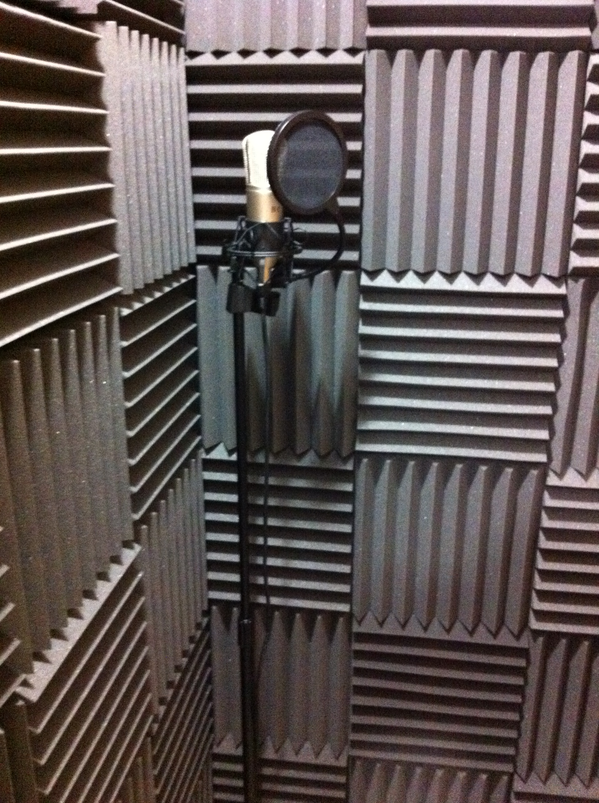 . Building a pro soundbooth at low cost by Scott Gorman   Voice123 blog