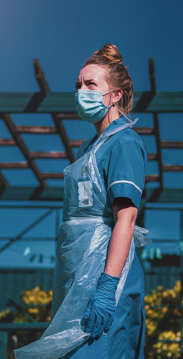 Covid pandemic: image of a nursing sister