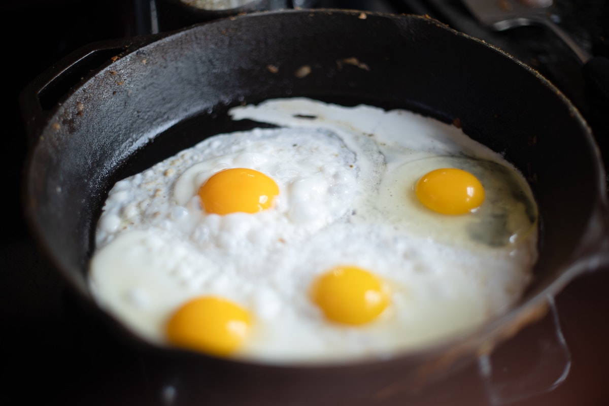 Great voice overs: image of eggs frying