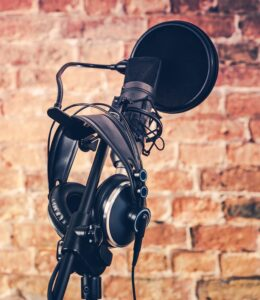 Engaging voice over: image of a microphone and headphones